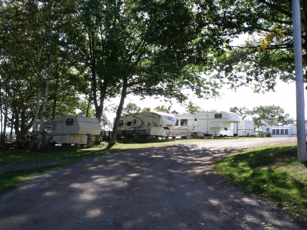 Image of seasonal campers at Harbour Light Campground.